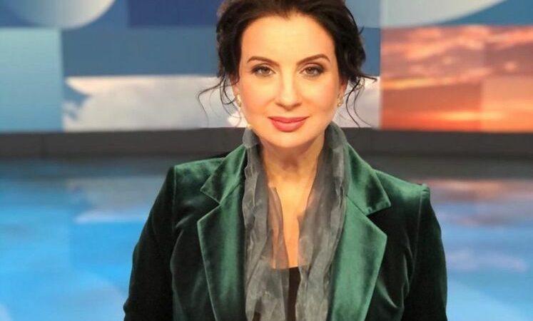 Российская пропагандистка Стриженова упала в прямом эфире во время обсуждения Голодомора в Украине. Видео